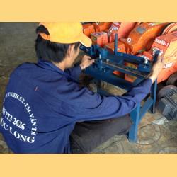 Dụng cụ bẻ đai sắt